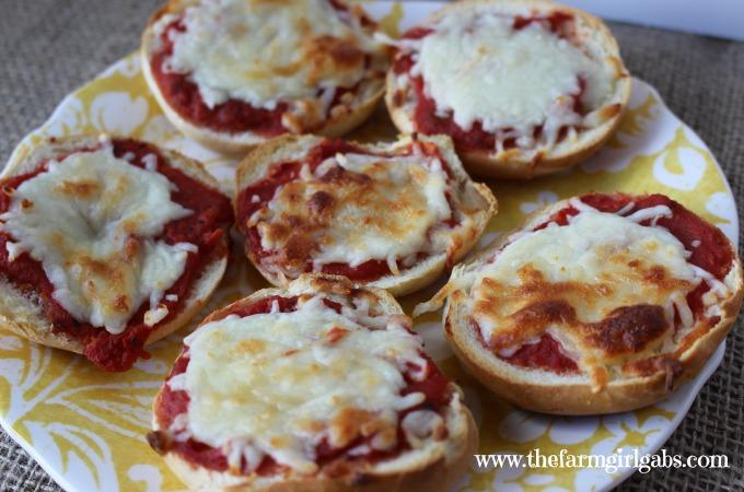 Mini-Bagel Pizzas