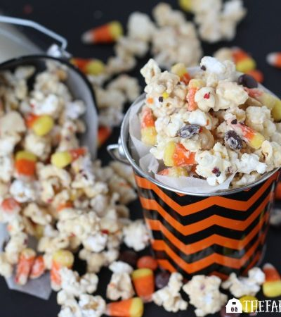 This Candy Corn Popcorn recipe is the perfect Halloween snack. | www.thefarmgirlgabs.com