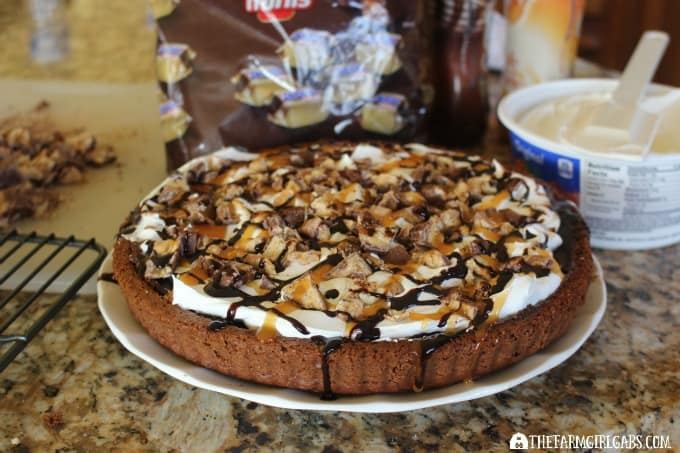 SNICKERS® Chocolate Dream Dessert - Prep 2
