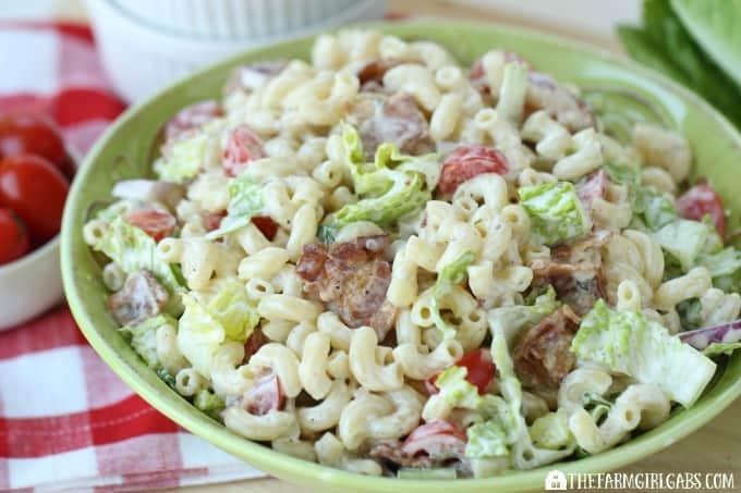 35 Summer Salad Recipes to celebrate summer. #saladrecipes #sidedishes