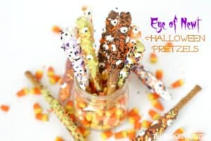 Scare up some delicious fun at Halloween with these Eye Of Newt Halloween Pretzels.
