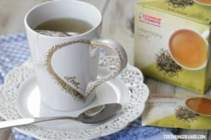 Warm up with one of Dunkin' Donuts new premium hot teas in this easy DIY Valentine Heart Mug.