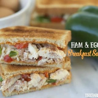 Serve breakfast in a flash with these Make Ahead Ham And Egg White Breakfast Sandwiches. #SandwichWithTheBest