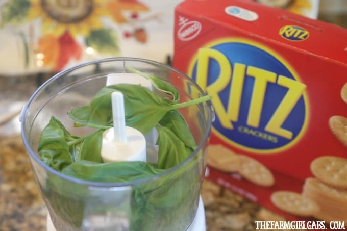 Looking for an easy summer appetizer recipe? These easy Pesto Cheese Shrimp Bites are perfect for spring entertaining. #FreshRITZpiration #Ad