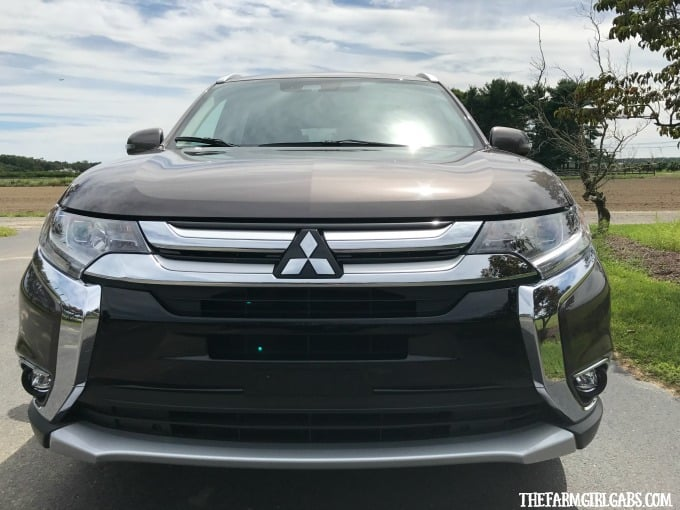 Welcoming Fall In The 2017 Mitsubishi Outlander GT