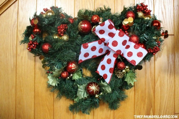 minnie mouse christmas wreath