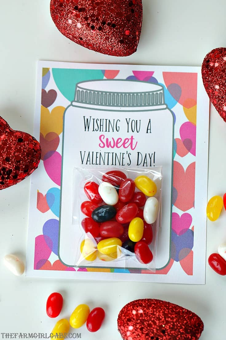 Your kids will have a sweet Valentine's Day making these adorable Sweet Candy Jar Valentines for their friends. #ValentinesDay #Candy #Printables #holidaycrafts #ValentinesDayCards #ValentinesDayCrafts