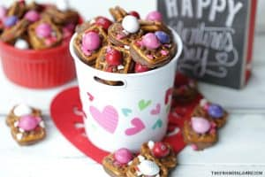 A little bit sweet, a little bit salty and oh so good! These Valentine ROLO Pretzel Sandwiches are a sweet treat for Valentine's Day.