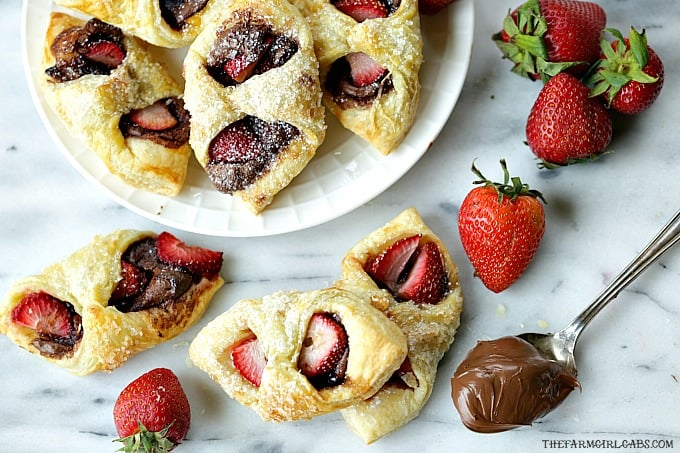 With just three main ingredients, Strawberry Nutella Pastries are a drool-worthy dessert that everyone will love.