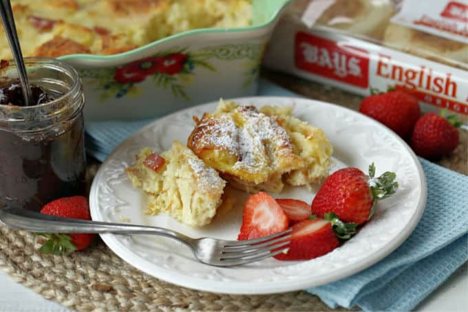 Super easy and super delicious! This Monte Cristo Bake is the perfect make-ahead breakfast casserole that doesn't have to be served just for breakfast.(AD) #BetterWithBays #breakfast #casserolerecipe #breakfastrecipe #breakfastcasserole