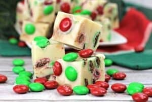 'Tisthe season for some sweet treats. This festive 3-Ingredient Holiday Fudge only takes a few ingredients and a few minutes to make and is so delicious!