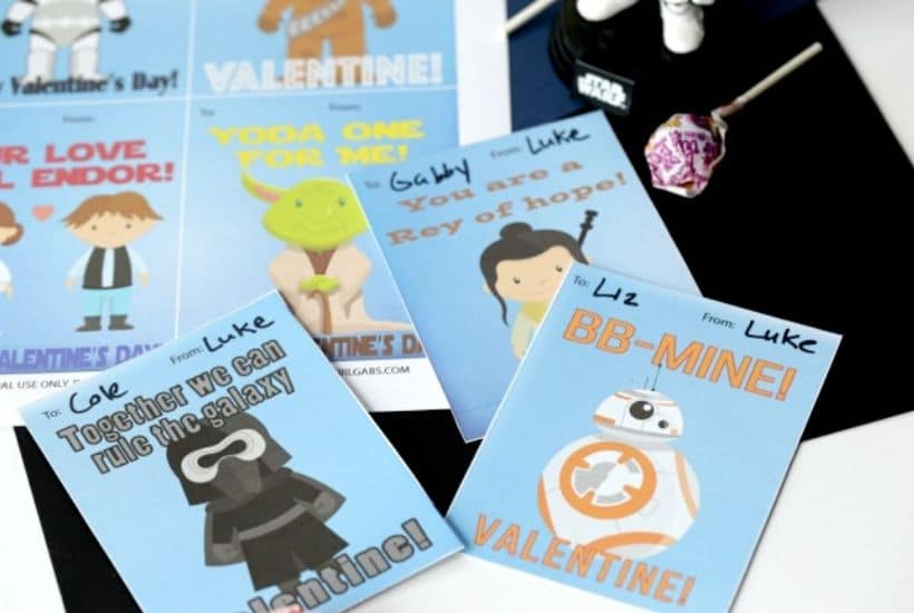 Calling all Star Wars fans! Spread some love over the galaxy this Valentine's Day. Print these Free printable Star Wars Classroom Valentine Cards. Star Wars fans will love these free printable Star Wars Valentine Cards. #startwars #starwarscraft #valentinecards #valentinecraft
