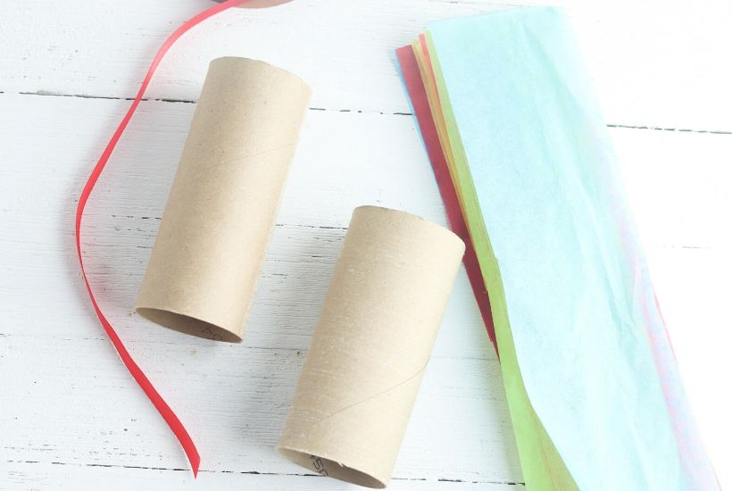 Extra toilet paper rolls in the house? I bet! These DIY Toilet Paper Roll Pinatas are a fun kid's craft to make for your next Cinco de May fiesta.