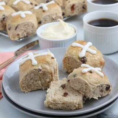 You may have heard of the song, but have you enjoyed freshly baked Hot Cross Buns? If not, follow this simple recipe to prepare these slightly sweet buns that are the perfect breakfast treat.